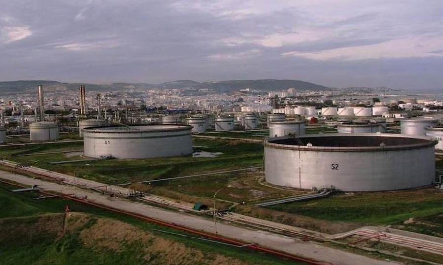 Sablage-et-peinture-extérieur-du-réservoir-de-stockage-du-pétrole-brut-S7-à-la-raffinerie-de-Bizerte---STIR
